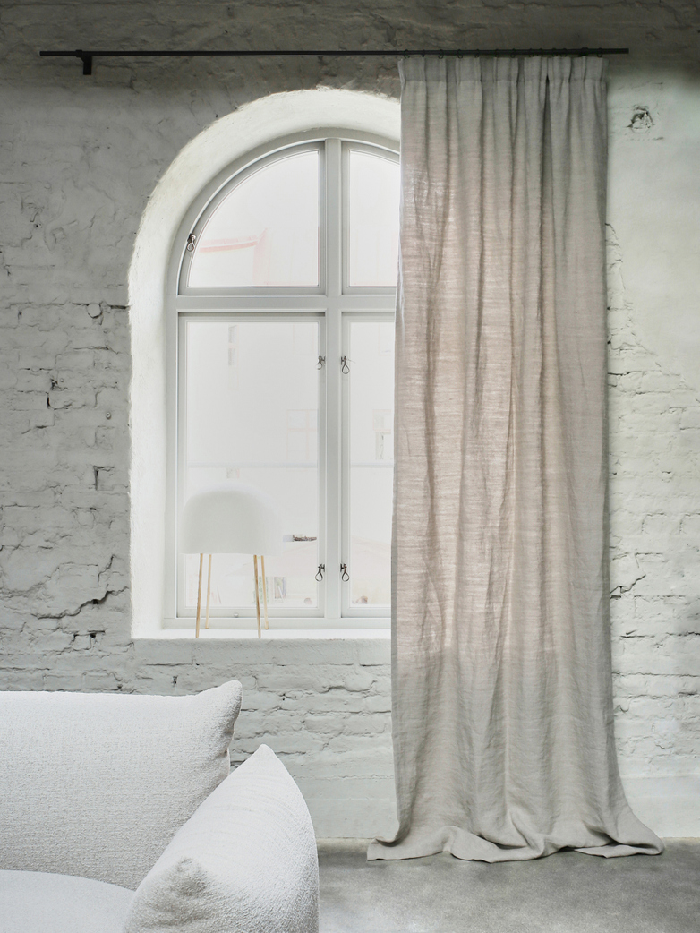 Astrid Benita Curtain