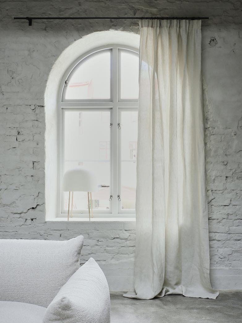 Astrid Savona Curtain