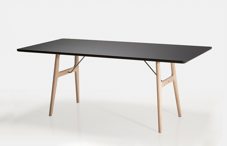 RM13 Dining Table - Black
