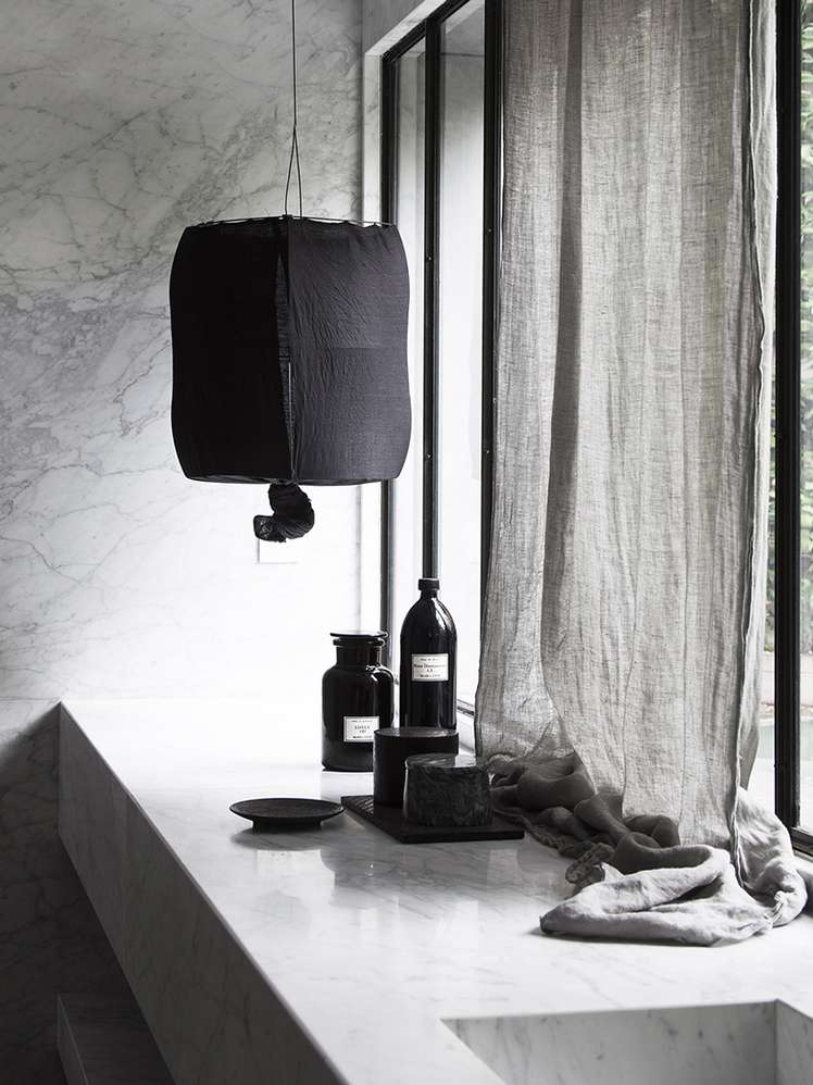 Schooley Lamp Black
