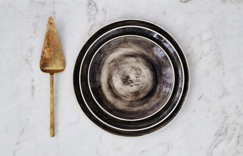 Organic Dinner Plates Black Sand