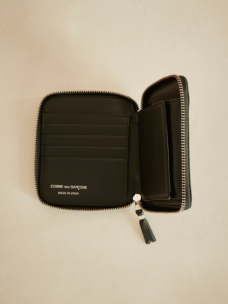 Classic Zip Around Wallet – Black