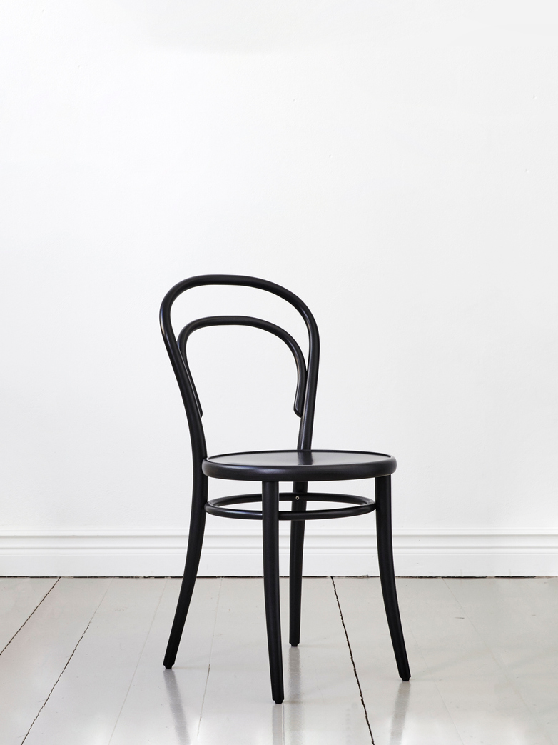 Chair Petit 14 – Black – Wood