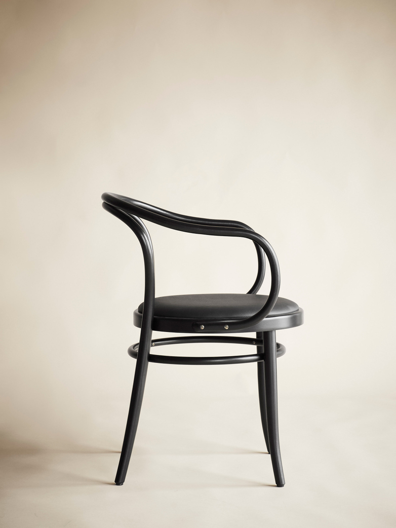 Chair No 30 –  Black – Leather